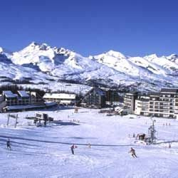 Village de la b tie montsal on hautes alpes - Office tourisme joue du loup ...